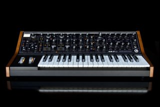 Moog Synths and Pedals SUB 37 on RigShare
